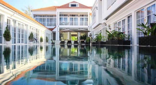 White Boutique Hotel - Sihanoukville - Pool