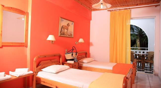 Daisy Zakynthos Apartments - Zakinthos - Bedroom