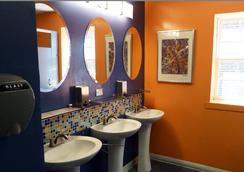 Apple Hostels of Philadelphia - Philadelphia - Bathroom