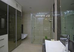 Gazebo Residency - Gurgaon - Bathroom
