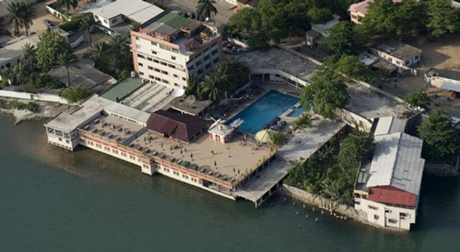 Hôtel du Lac - Cotonou - Building