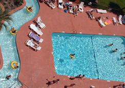 Sandcastle Oceanfront Resort At The Pavilion - Myrtle Beach - Pool