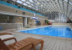 Hotel New Otani Osaka - Osaka - Pool