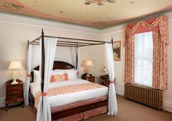 Gatsby Mansion - Victoria - Bedroom