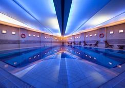 Point Hotel Taksim - Istanbul - Pool