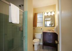La Dolce Vita Resort & Spa - Gay Men's Clothing Optional - Palm Springs - Bathroom
