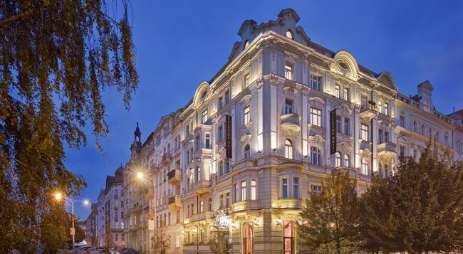 Mamaison Hotel Riverside Prague - Prague - Building