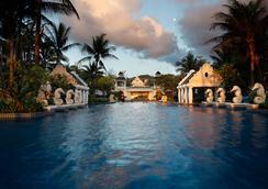 Phuket Graceland Resort And Spa - Patong - Pool