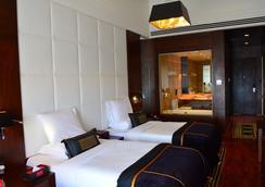 Della Resorts - Lonavala - Bedroom