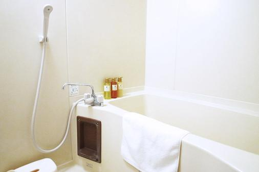 Hotel MyStays Otemae - Osaka - Bathroom