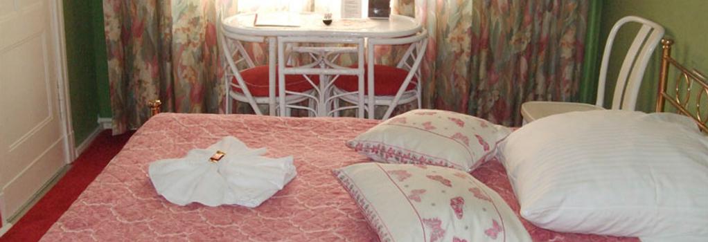 Hotel-Pension Ingeborg - Berlin - Bedroom