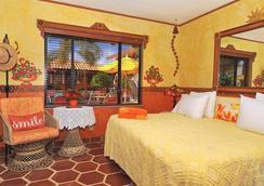 Blue Seas Courtyard - Lauderdale-by-the-Sea - Bedroom