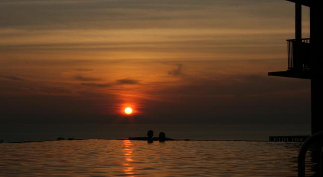 Karon Phunaka Resort & Spa - Karon - Pool
