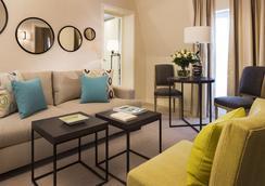 Hotel Balmoral - Champs Elysees - Paris - Living room
