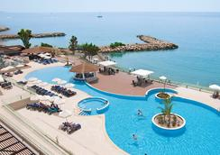 The Royal Apollonia - Limassol - Pool