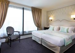 Hotel Saint Pétersbourg Opéra - Paris - Bedroom