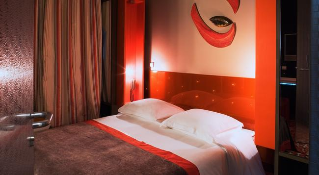 The Five Hotel - Paris - Bedroom