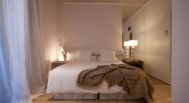 Anba Bed & Breakfast Deluxe - Barcelona - Bedroom