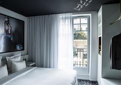Le General Hotel - Paris - Bedroom