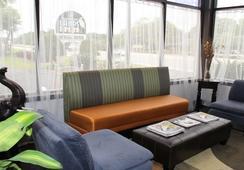 Creekside Lands Inn - Charleston - Lobby