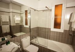 Splendom Suites Gran Vía - Madrid - Bathroom