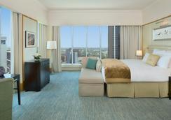 The Ritz-Carlton Dubai International Financial Centre - Dubai - Bedroom