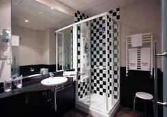 Sercotel Madrid Aeropuerto - Madrid - Bathroom