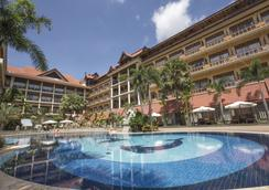 Empress Residence Resort & Spa - Siem Reap - Pool