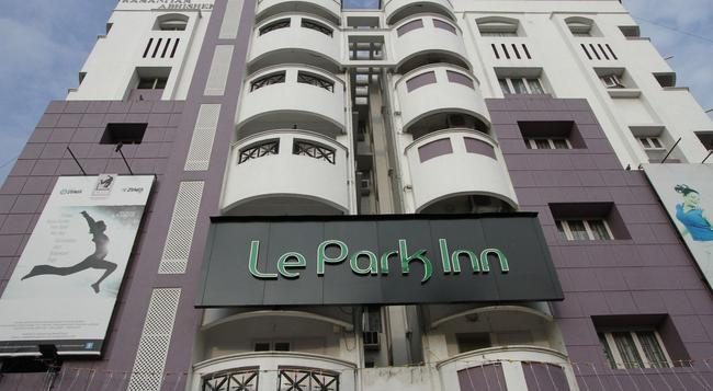 Le Park Inn - Chennai - Building