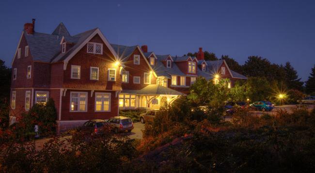 Cleftstone Manor - Bar Harbor - Building