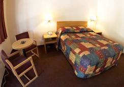 Ez 8 Motel Bakersfield - Bakersfield - Bedroom