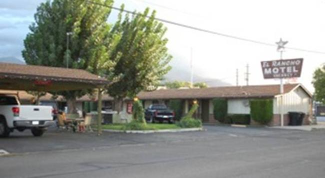 El Rancho Motel - Bishop - Building