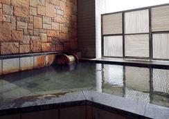 Hotel Monterey La Soeur Osaka - Osaka - Pool