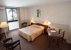 Hotel Austral - Saint-Denis - Bedroom