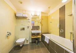 Iris Hotel Eden - Prague - Bathroom