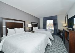 Hampton Inn & Suites Greensboro/Coliseum Area, NC - Greensboro - Bedroom