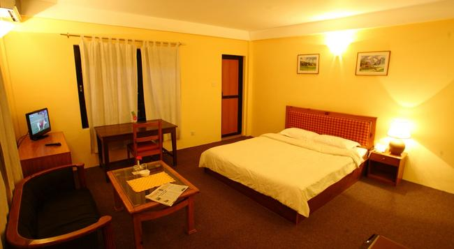 Royal Astoria Hotel - Kathmandu - Bedroom