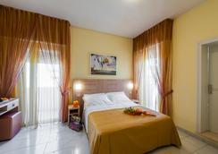 Hotel Corinna - Rimini - Bedroom