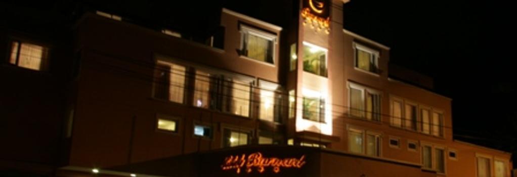 Barnard Hotel - Quito - Building