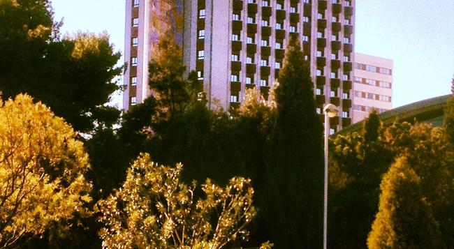 Hotel Turia - Valencia - Building