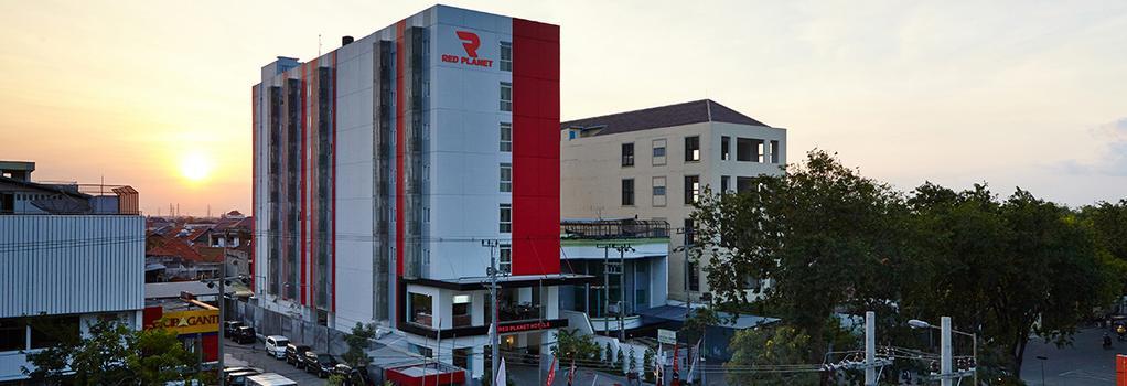 Red Planet Surabaya - Surabaya - Building