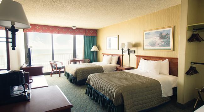 Oceanfront Inn - Virginia Beach - Bedroom