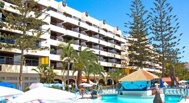 Hotel Rey Carlos - San Bartolome de Tirajana - Building