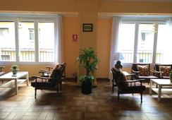 Hostal Valls - Barcelona - Living room