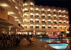 Hotel Bernat II - Calella - Pool