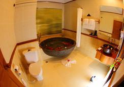 Hotel Amazing Nyaung Shwe - Nyaungshwe - Bathroom