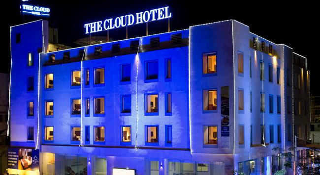The Cloud Hotel - Ahmedabad - Building