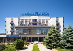 Marins Park Hotel - Rostov on Don - Outdoor view