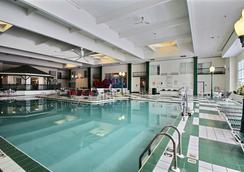 Comfort Suites Appleton Airport - Appleton - Pool