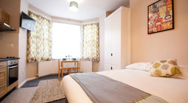 United Lodge Hotel & Apartments - London - Bedroom